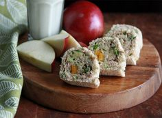 Back to School Pinwheels: tuna, avocado and a few other goodies for a fab packed lunch. #sundaysupper