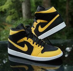 "womens nike dunks 12 wide width sandals clearance ""Tour Yellow"" Vintage Sports Men's Running Shoes"
