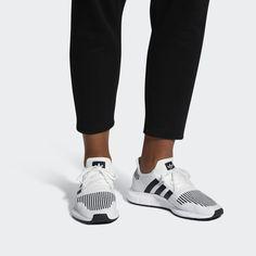 e8f489df46c0 Swift Run Shoes Ftwr White/Core Black/Medium Grey Heather CQ2116 Τρέξιμο,  Κάλτσες
