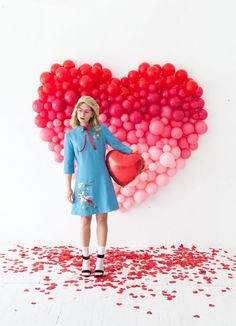 Giant Ombre Heart Balloon Backdrop (Oh Happy Day! Valentine Mini Session, Valentines Day Photos, Valentines Day Shirts, Valentines Day Party, Valentine Backdrop, Valentines Balloons, Valentinstag Party, Diy Valentine's Day Decorations, Valentines Day Decorations