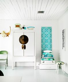 From Scandinavia with love - design & style (A home in Sweden. Photo by Peter Carlsson for Hus...)