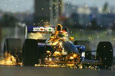 """Nelson Piquet atravessa """"trilha de faíscas"""" em 91"""