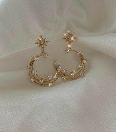 Ear Jewelry, Cute Jewelry, Gold Jewelry, Jewelery, Jewelry Accessories, Fashion Accessories, Fashion Jewelry, Women Jewelry, Cute Ear Piercings