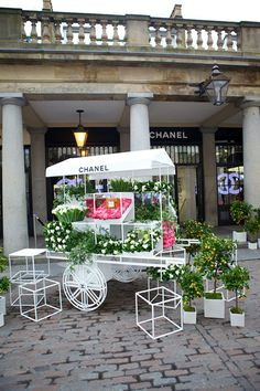 A Mother's Day dream....to get flowers from the Chanel Flower Stall and spend the day at the spa! AAAWWW....