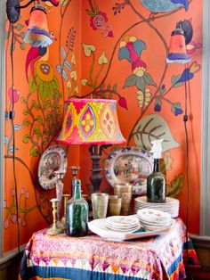 Orange home decor can add a spicy, Summer edge to your home. Read on for some stunning orange home decor that will have you craving some tangerine. Home Interior, Interior And Exterior, Interior Design, Bohemian Living, Bohemian Decor, Hippie Bohemian, Boho Chic, Hippie Chic Decor, Hipster Decor