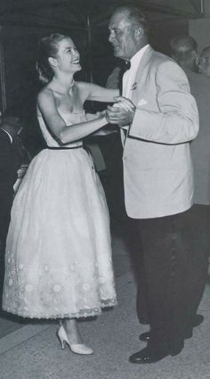 Grace Kelly and her father. Oh so sweet and nice moment for Grace and her father, so cute Princess Grace.
