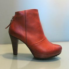 Paul Green Roxie Bootie from jgilbertfootwear.com || So chic ||