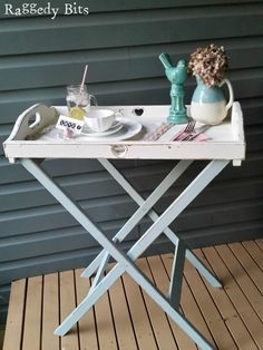 See how I gave a Butlers Tray Makeover to a tired outdated tray and stand using chalkpaint so that it can be used once again for breakfasts in bed!