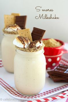 S'mores Milkshake - Only 5 ingredients, and ready in 10 minutes! A toasted marshmallow milkshake topped with chocolate and graham crackers.