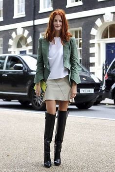 Street Style : London Street Style: Taylor Tomasi Hill with her stunning red hair green blazer
