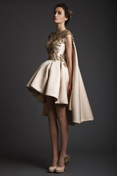 Krikor Jabotian created a stunning couture collection for Spring/Summer 2014 with majestic gowns in royal red and champagne. Style Haute Couture, Couture Fashion, Runway Fashion, Party Fashion, Beauty And Fashion, Look Fashion, High Fashion, Fashion Details, Fashion Design