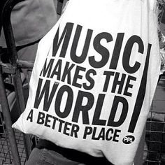 Can you live without music?/Μπορείς να ζήσεις χωρίς τη μουσική?