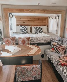 21 Idea for Simple Camper Makeover - Wohnwagen Popup Camper Remodel, Tiny Camper, Camper Life, Camper Van, Caravan Renovation, Van Home, Van Living, Camper Makeover, Camper Trailers