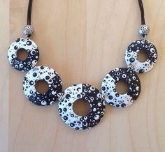 Necklace+by+CHEZ+BENE.jpg 617×571 pixeles