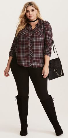 Plus Size Camp Shirt - Plus Size Fall Outfit - Plus Size Fashion for Women Plus Size Fall Outfit, Plus Size Outfits, Fall College Outfits, Fall Outfits, Plus Size Fashion For Women, Plus Size Women, Plus Sise, Look Plus Size, Plus Size Shirts