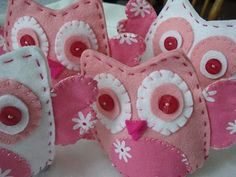 pink owl cozies... no tutorial but sure cute!