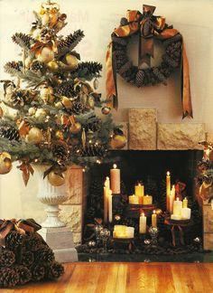 Beautiful Christmas atmosphere, from designer Carolyn Roehm.
