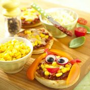 Cute pizzaz with healthy veggies for little ones