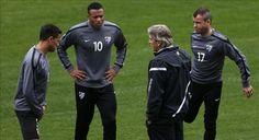 Entrenando la comunicación y la cohesión de equipo. http://futbolenpositivo.com/?p=2488
