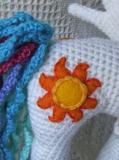 Princesa Celestia Amigurumi * My Little Pony Crochet Baby Mittens, Crochet Pony, Crochet Amigurumi Free Patterns, Crochet Dolls, Free Crochet, Irish Crochet, Crochet Unicorn, Unicorn Pattern, Princesa Celestia