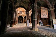 Cortile del Podestà - L'Entrone del palazzo pibblico - Siena -