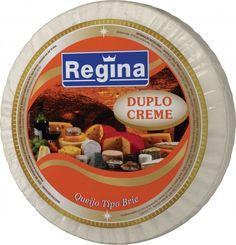 QUEIJO BRIE DUPLO CREME. É o queijo brie enriquecido com nata, o que o torna amanteigado e irresistível quando acompanha canapés ou saladas. Desenvolvido a partir da tecnologia francesa, a inclusão de creme só acrescentou qualidades ao queijo original.