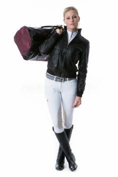 Italian style here we go!  This combination is done with a Cavallaria Toscana black leather jacket, TR Design grey belt, white ladies breeches trousers, and a Anna Scarpati trip bag!  http://www.reitsport.ch/reiter/reithosen/vollbesatz/cavalleria-toscana-reithosen-techn-5-pockets-breeches-damen-weiss http://www.reitsport.ch/reiter/accessoires/taschen/anna-scarpati-reisetasche-venezia-pvc-burgundy-/-lack-nera