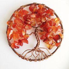 PENDENTE ALBERO DELLA VITA RAME E CORNIOLA #collana • #necklace • #ciondolo • #pendente • #pendant • #pietre • #stones • #corniola • #carnelian • #rame • #copper #albero • #tree • #vita • #life • #alberodellavita • #treeoflife • #rosso • #red • #wirewrapping • #fattoamano • #handmade • #gioielli • #jewelry • #artigianale • #handcrafted • #diana • #dianalab • #dianajewelry • #shapingmetal
