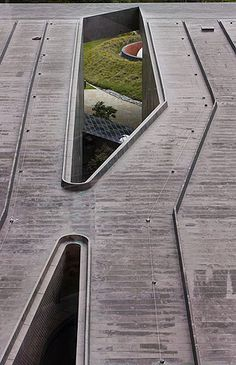 Architects Herzog & de Meuron. De Young Museum of Art * San Francisco. View of roof from tower