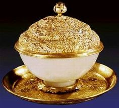 Antique gold and jade of china