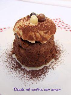 desde mi cocina con amor: BIZCOCHITO DE CHOCOLATE AL MICROONDAS CON FROSTING DE QUESO A LA VAINILLA