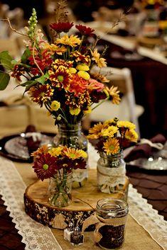October wedding. Centerpiece, flowers, decoration.