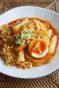 みゆき先生の簡単&おいしい韓国料理レシピ!「ラポッキ」。今回作るレシピはこれ!ラーメン+トッポッキ=「ラポッキ」!