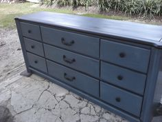 In very good shape all drawers work good SOLD