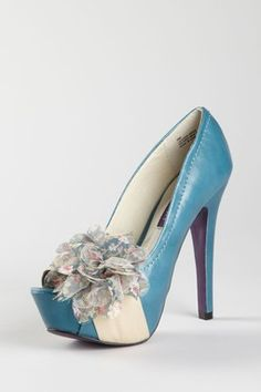 I just love these shoes so much!! Although they are a bit pricey :/