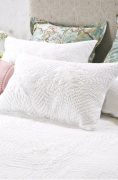 chrysanthemum white pillowsham