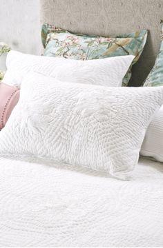 chrysanthemum white pillowsham