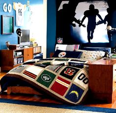 """Steelers without being """"obnoxious"""".  Love the picture on the wall."""