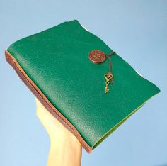 Green amazon by B2handmadedesign on Etsy Amazon, Green, Bags, Stuff To Buy, Etsy, Fashion, Handbags, Moda, Amazons