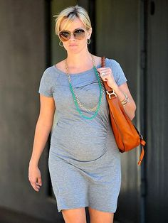 love, love, love this look!  Gray, w/turquoise and the bag!