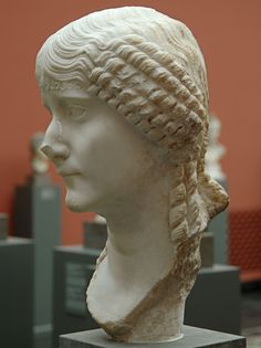 A Roman Woman. Copenhagen, New Carlsberg Glyptotek (Ny Carlsberg Glyptotek) Ancient Rome, Ancient Art, Ancient History, Roman Hairstyles, Art Romain, Roman Fashion, Roman Emperor, Roman Art, Sculpture