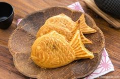 How To Make Custard Cream (Pastry Cream) From Scratch カスタードクリームの作り方, Taiyaki - Learn how to make homemade custard cream (pastry cream) and use it as a delicious filling for popular Japanese street snacks such as Dorayaki, Taiyaki, and Imagawayaki (Obanyaki)! #custardcream #cream #desert #sweetdesserts #カスタードクリーム #eggs | Easy Japanese Recipes at JustOneCookbook.com