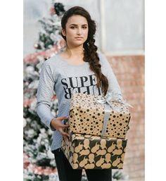 Be a Diva sweater in een doorgestikt dessin, model Super. Deze trui is voorzien van de tekstprint SUPER DIVA aan de voorzijde - Grijs melee - NummerZestien.eu