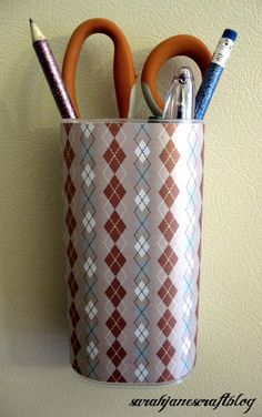 Sarah Jane's Craft Blog: Recycle Craft: Crystal Light Container to Magnetic Organizer (or use some command strips for anywhere you want to use it)