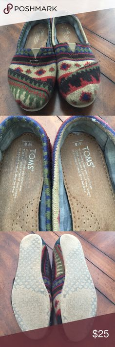Tom's flats Aztec knit pattern Tom's brand flats in a size 8. Always had inserts inside so inside moderately worn. Aztec knit sweater type fabric. Colors in pattern include chocolate brown, tan, rust, khaki green, blue. TOMS Shoes Flats & Loafers