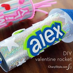 Turn Pringles cans into DIY rocket valentines filled with treats! Free printables, embellishments, card stock and foam or felt lead to candy countdown! - Everyday Dishes & DIY