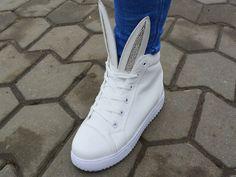 Ghete Ears Alb http://www.standard-shoes.ro/produse-noi.html #white #boots #fashion #girly #girl #style #ears #details