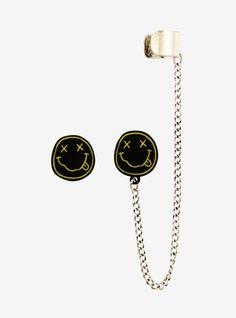 Steampunk Ivory Ear Cuff - ear wrap antique bronze dangle earring non piercing original design - Custom Jewelry Ideas Ear Jewelry, Cute Jewelry, Crystal Jewelry, Jewelry Accessories, Skull Jewelry, Jewellery, Skull Earrings, Cuff Earrings, Pearl Earrings