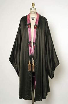 Evening cape  Design House: House of Drécoll Date: ca. 1910 Culture: French Medium: silk Accession Number: C.I.54.55