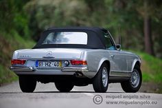 Mercedes pagode 280 Sl kienle auto Photo by Miguel Ângelo